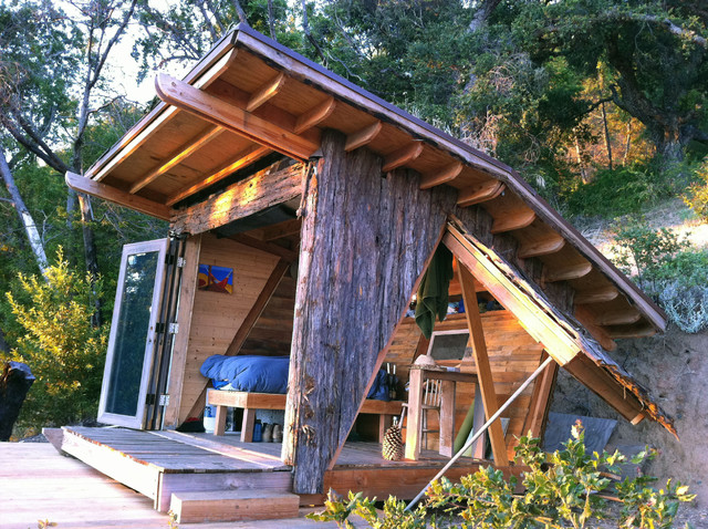 Great Escape: A Tiny, Off The Grid Hideout In The California Woods