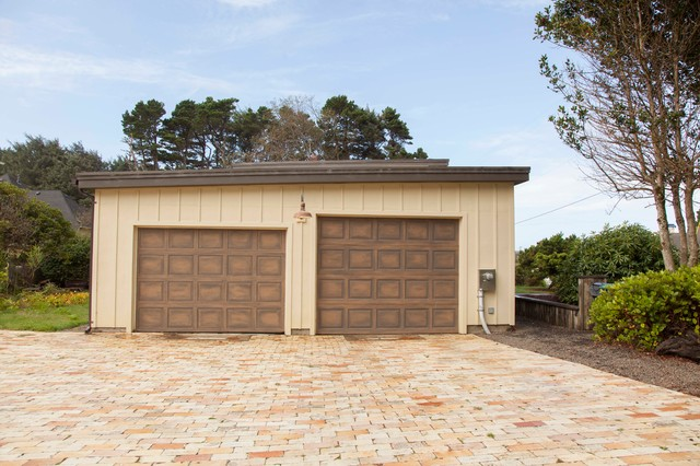 Lincoln City Home eclectic-garage-and-shed
