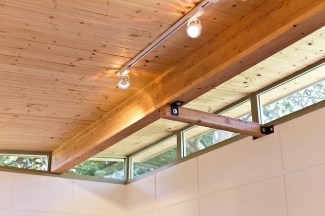 ModernShed Art Studio Ceiling and clerestory windows Modern