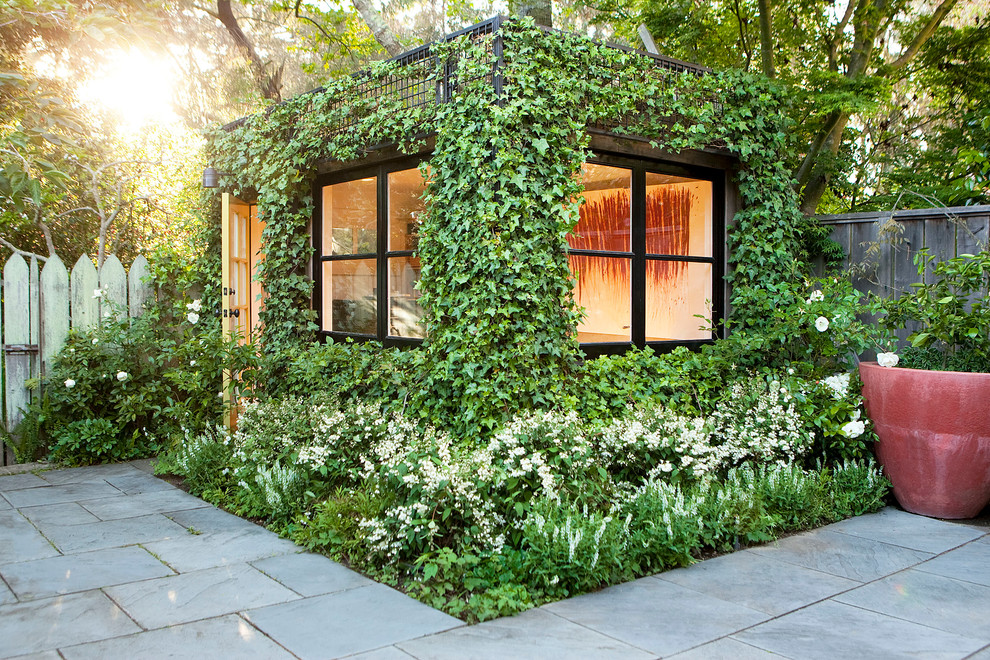 Design ideas for a modern detached garden shed in San Francisco.