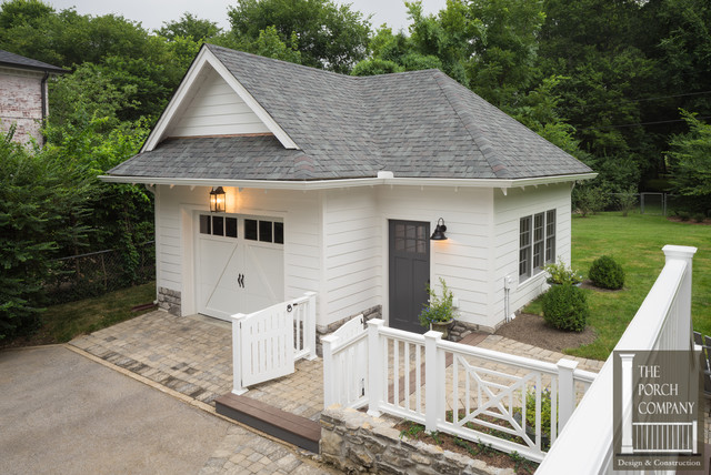Nashville Custom Detached Garage Complete With Mudroom