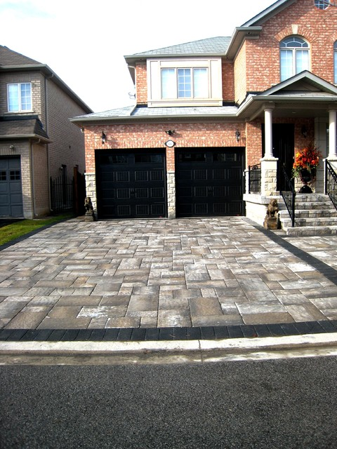 Oaks interlocking pavers with granite blk accent for Professional garage door montrose