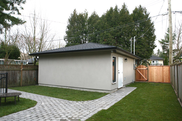 OH Custom 4 traditional-garage-and-shed