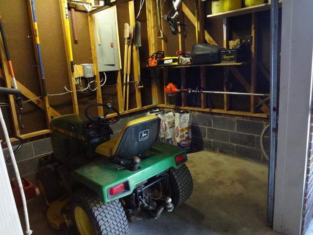 Organizing - Garage traditional-garage-and-shed