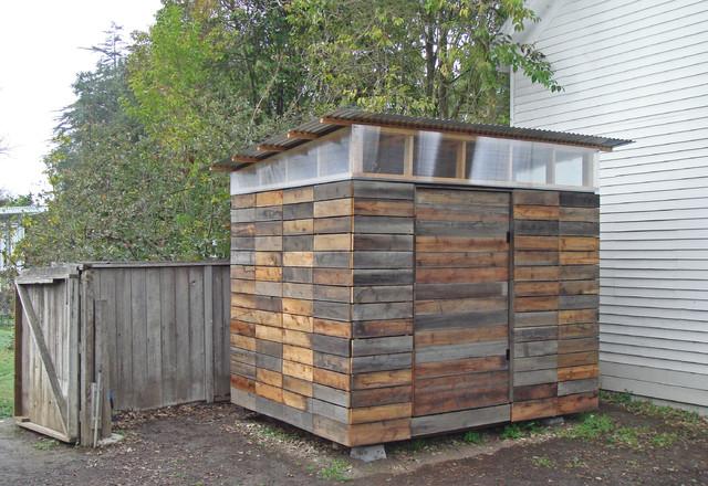 Petaluma studio for Modern shed siding