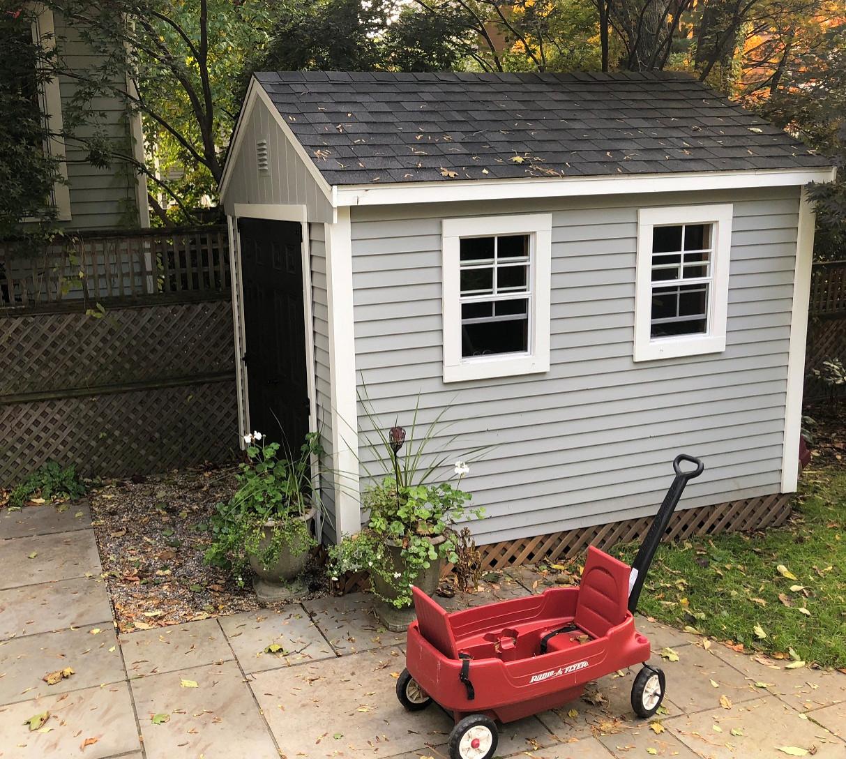 Petit shed