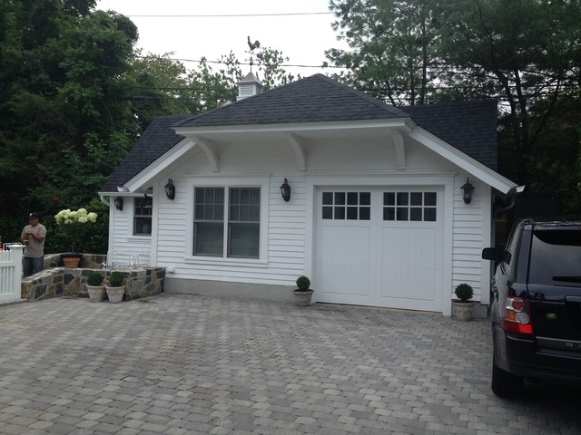 Pool house garage nantucket style traditional garage for Garage pool house