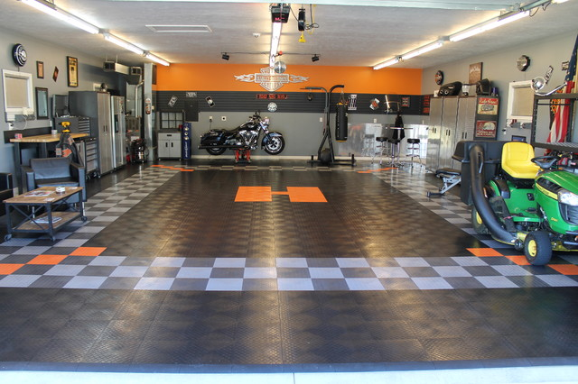RaceDeck Garage Floor Makes This Harley Davidson Theme Gartenhaus