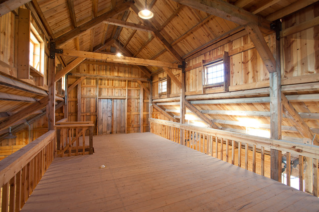 Raised Center Barn In Texas Traditional Garage And
