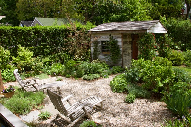 Inspiration for a timeless detached garden shed remodel in Newark