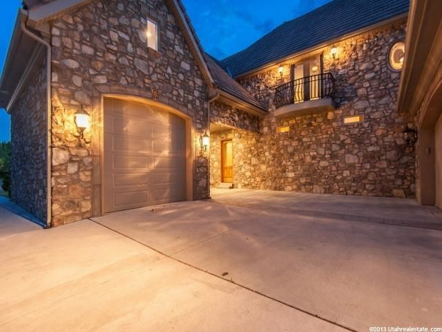 Regal Stream Cove - Beuchert Builders Texas Style Ranch traditional-garage-and-shed