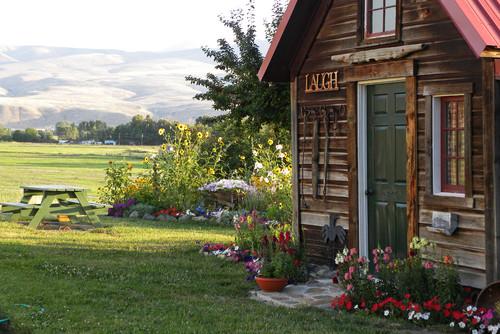 Von Sarah Greenman   Finden Sie Mehr Inspiration: Gartenhaus Gestalten