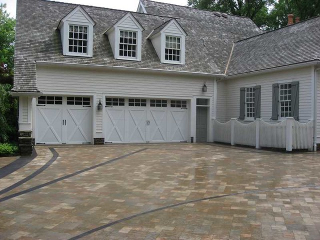 Romanstone PreLedge Rock Pavers traditional-garage-and-shed