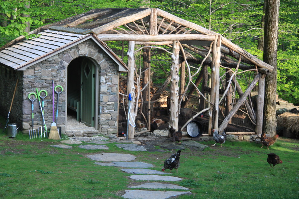 Barn - rustic barn idea in New York