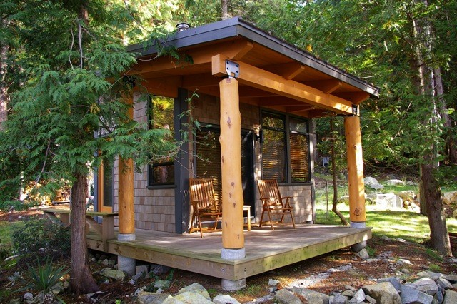 Sleeper Cabin Modern Shed Vancouver by Quantum