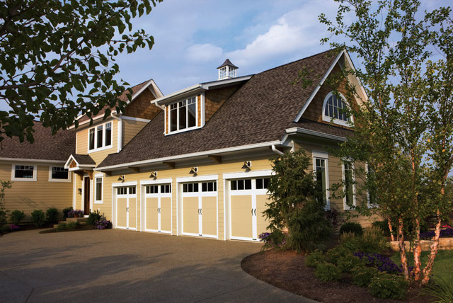 Steel Insulated Carriage Style Garage Doors Farmhouse Exterior