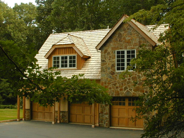 Stone Garage, Radnor, Pennsylvania traditional-garage-and-shed