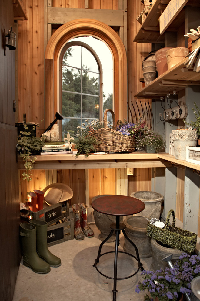Garden shed - traditional garden shed idea in Detroit