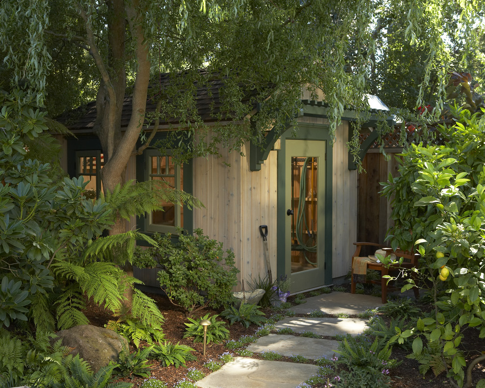 Inspiration for a craftsman detached garden shed remodel in San Francisco
