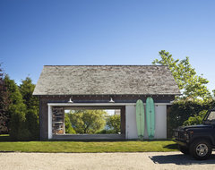 The barn beach-style-garage-and-shed
