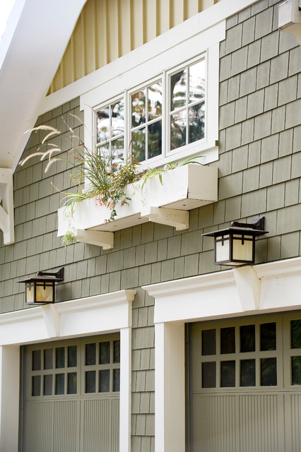 The window box traditional garage and shed toronto for Craftsman style garage lights