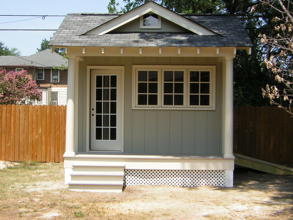 Garden shed - mid-sized traditional detached garden shed idea in Richmond