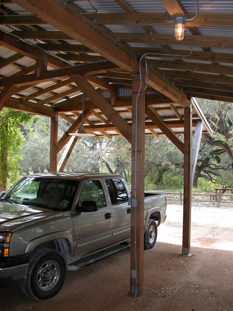 Example of a cottage shed design in Austin