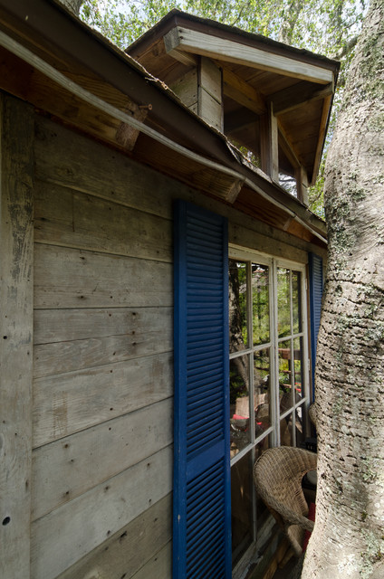Treehouse rustic-shed