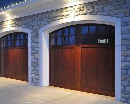 Wood Doors - Wayne Dalton's Model 7400 custom doors bring back the carriage style door look in a modern overhead sectional garage door. Choose from a multitude of facing options to create the exact door you desire or create your own custom door.