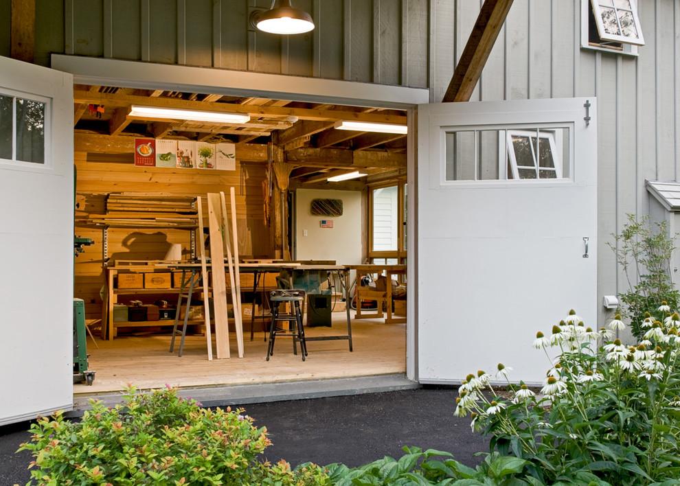 Farmhouse studio / workshop shed photo in Portland Maine