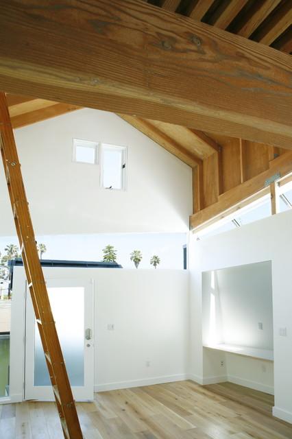Writing Studio modern-garage-and-shed