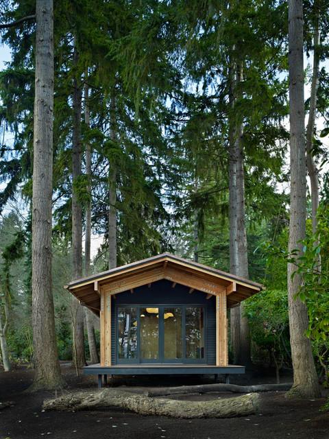 Yoga Studio modern-garage-and-shed