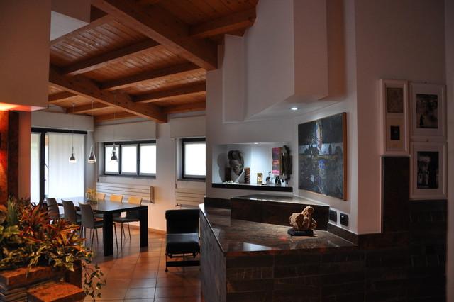 Ampliamento villa ed interior design for Design frontale della casa a un piano