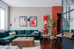 Italy Houzz Tour: A Small Colourful Flat Inspired by Le Corbusier