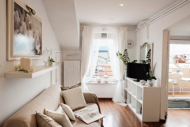 Appartamento torino tessuti complementi d 39 arredo stile for Casa complementi d arredo