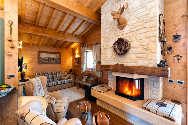 arredamento da montagna rustic living room venice by tre erre arredamenti