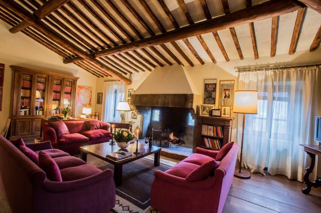 Casa colonica in toscana in campagna salotto roma di alexandra la capria - Interni casa campagna ...