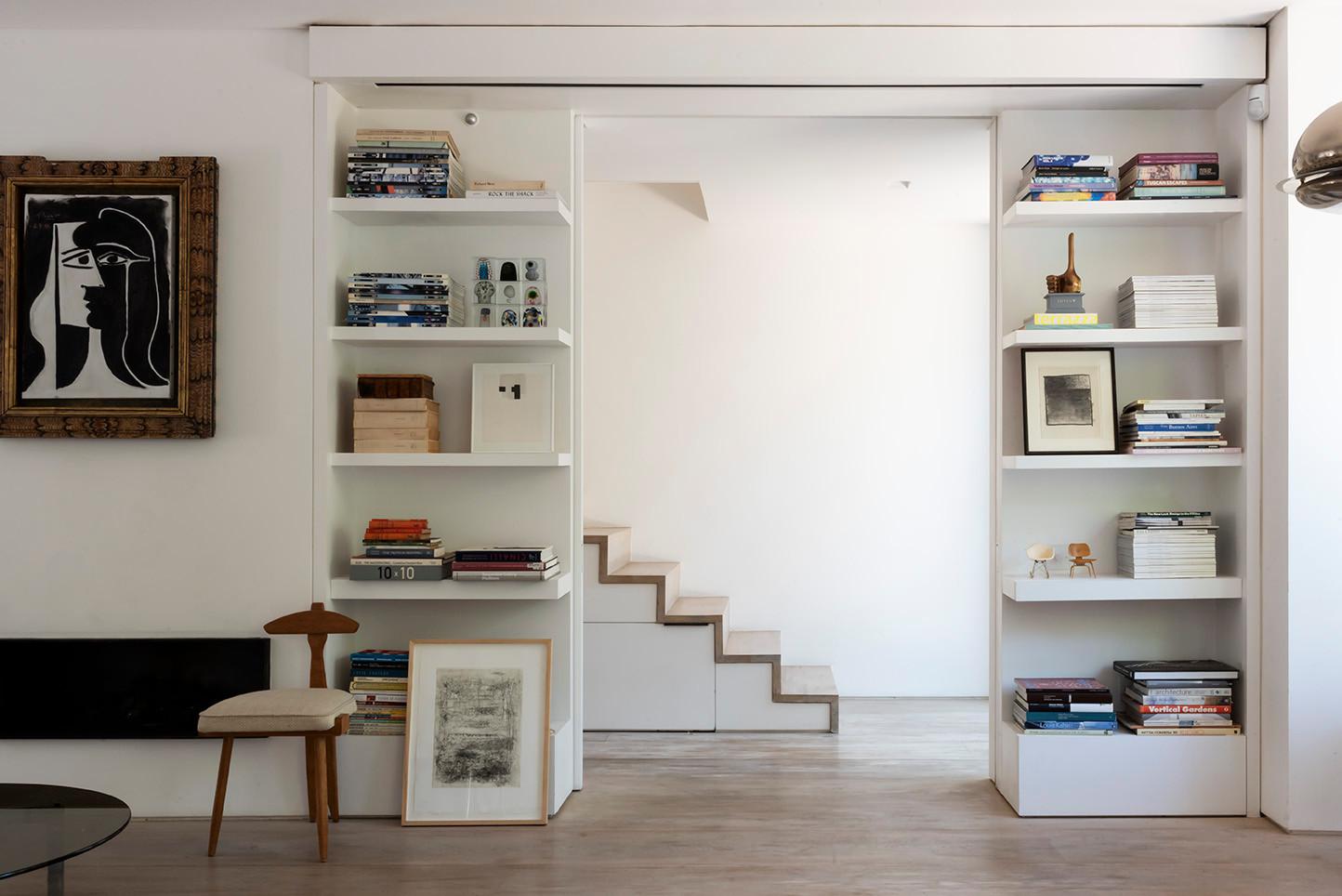 Library & staircase - Libreria & Scale