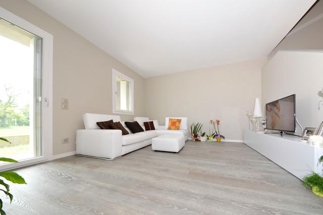 Maxi tavole sabbiate tinte grigio oltremare for Venezia soggiorno