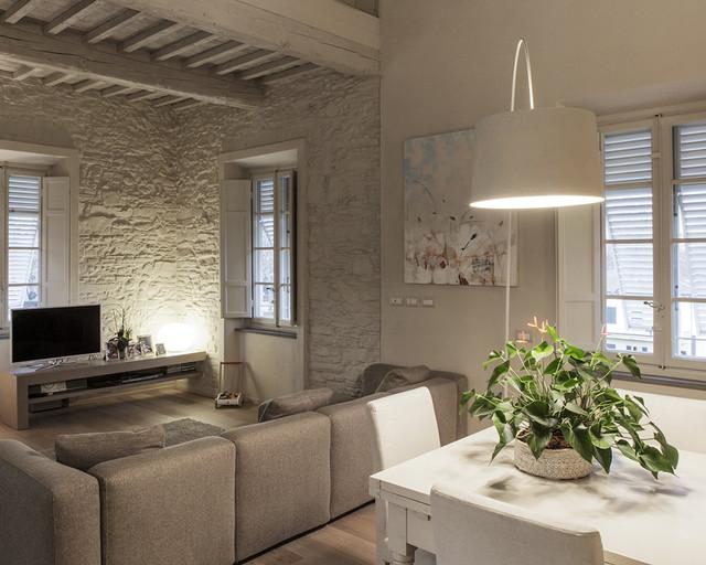 Ristrutturazione appartamento centro storico Lucca - Contemporaneo ...