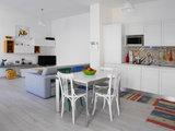 Guarda Come un Pro Ha Unito Due Appartamenti Difficili e Bui (15 photos) - image  on http://www.designedoo.it