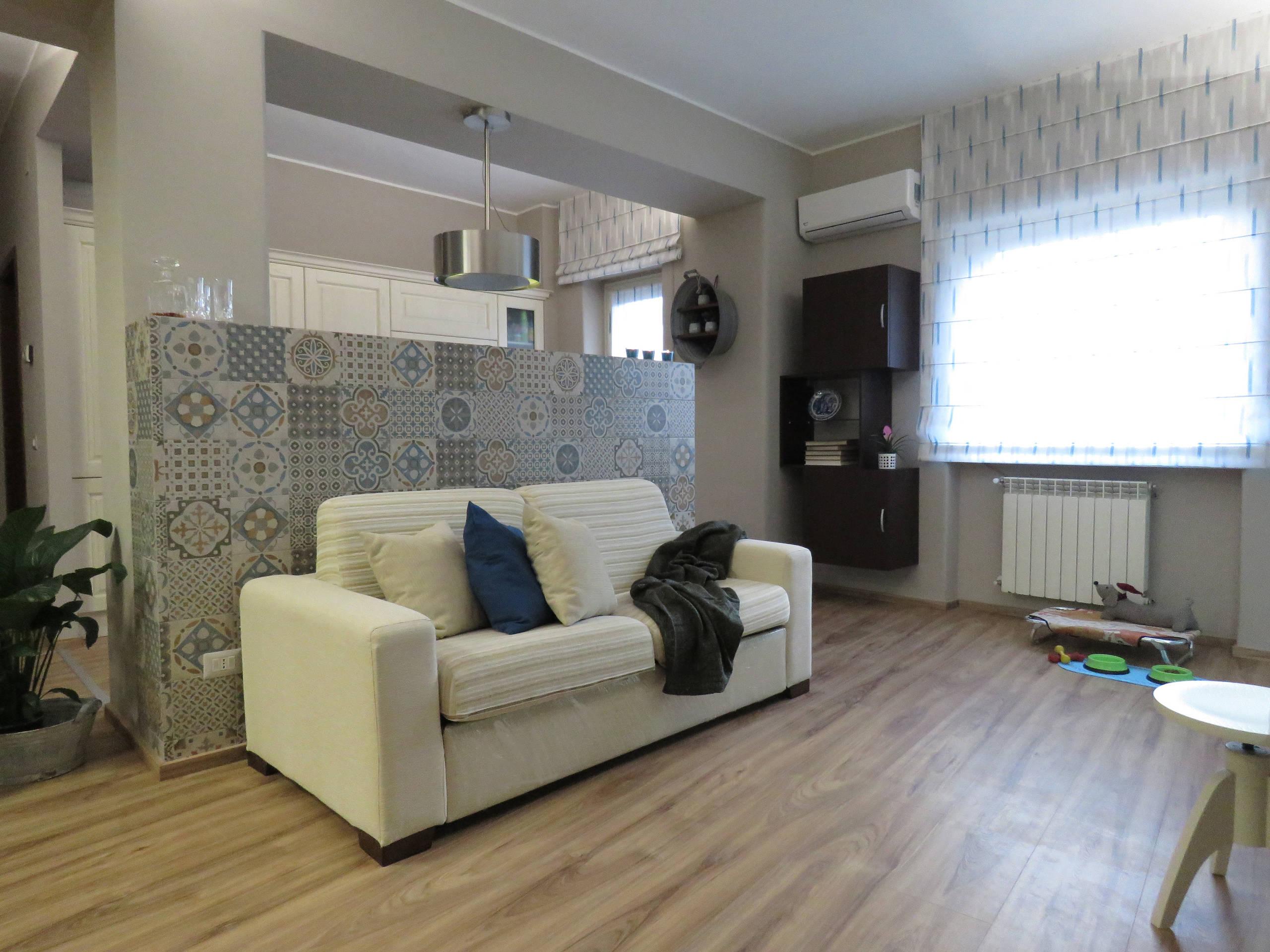 Trasformazione di un appartamento, recuperando antichi arredi
