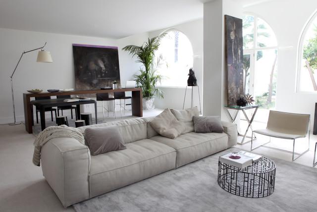 Villa al mare moderno soggiorno catania palermo di for Soggiorno a trapani