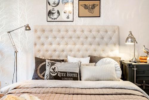 Hej ! Letar efter en snygg benvit sänggavel i sammet, djuphäftad