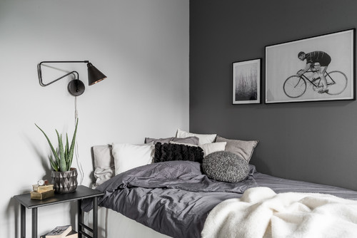 kissen als deko im bett praktisch oder unpraktisch. Black Bedroom Furniture Sets. Home Design Ideas