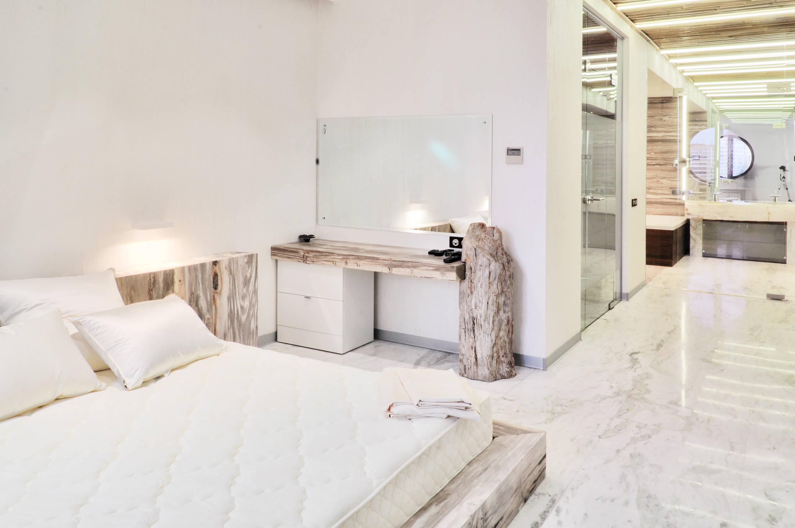 75 Beautiful Marble Floor Master Bedroom Pictures Ideas December 2020 Houzz