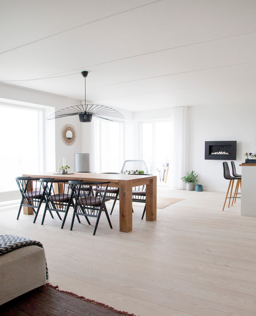 Havnevigen scandinavian dining room copenhagen by for Dining room design questions