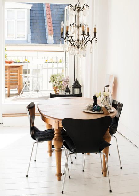 Sara transitional-dining-room