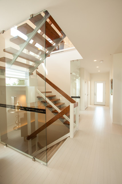 118 Sixmile Ridge - Contemporary Show Home contemporary staircase