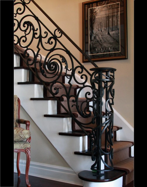 18 century french staircase - Traditional